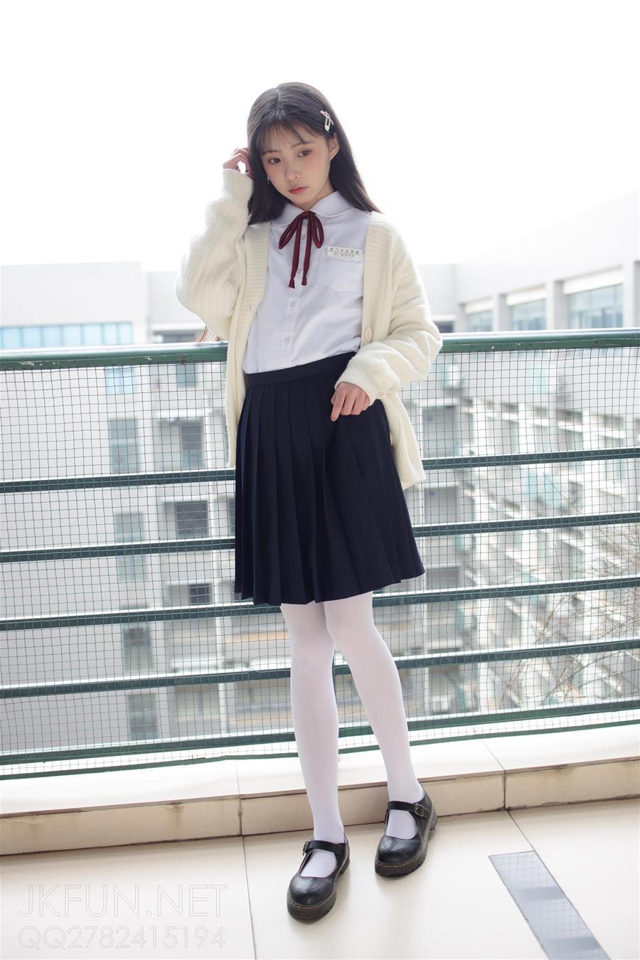 森萝财团 JKFUN-001 甜米 纯纯的白丝学妹 [127P1V-2.23GB] 森萝财团-第1张
