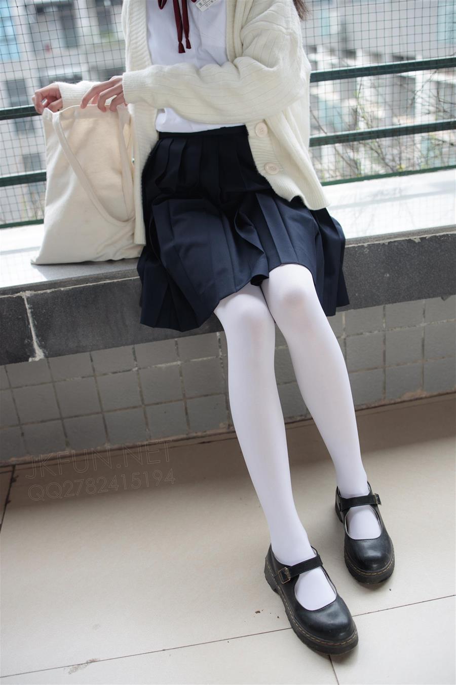 森萝财团 JKFUN-001 甜米 纯纯的白丝学妹 [127P1V-2.23GB] 森萝财团-第2张