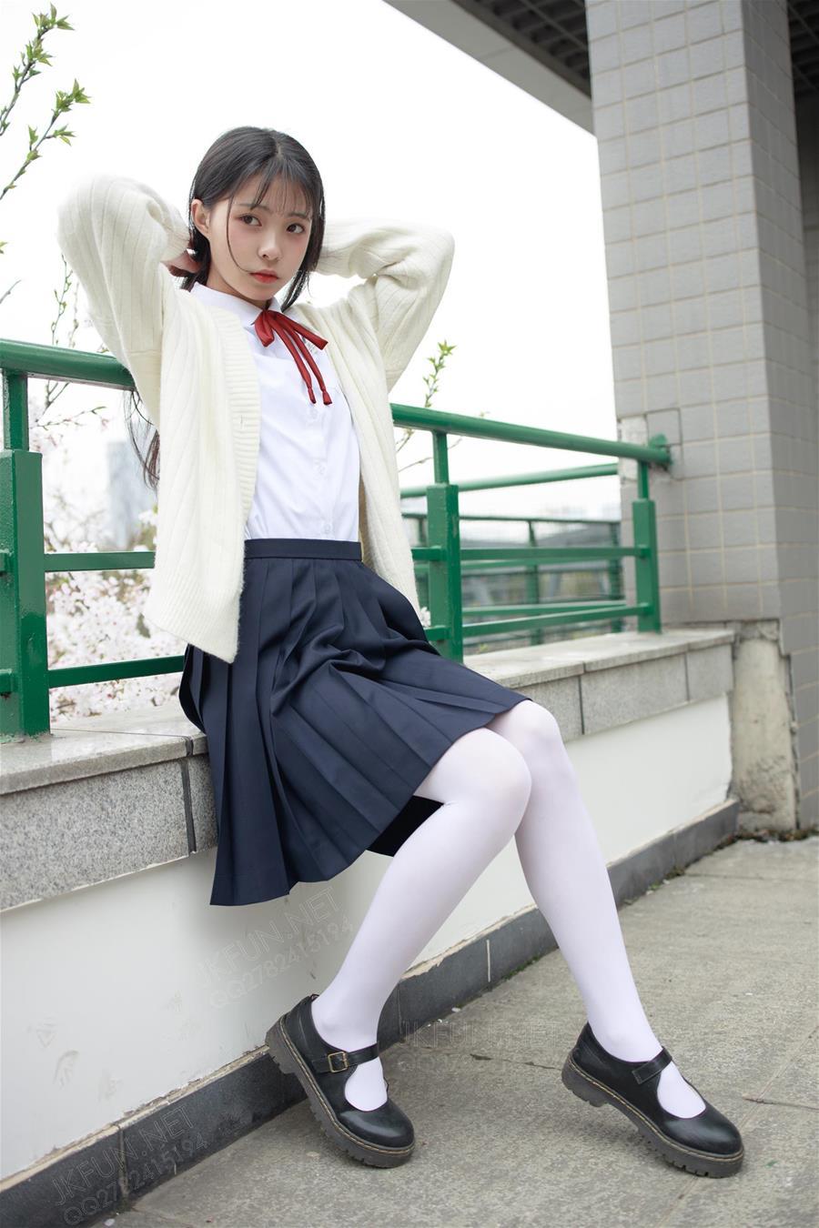 森萝财团 JKFUN-001 甜米 纯纯的白丝学妹 [127P1V-2.23GB] 森萝财团-第3张
