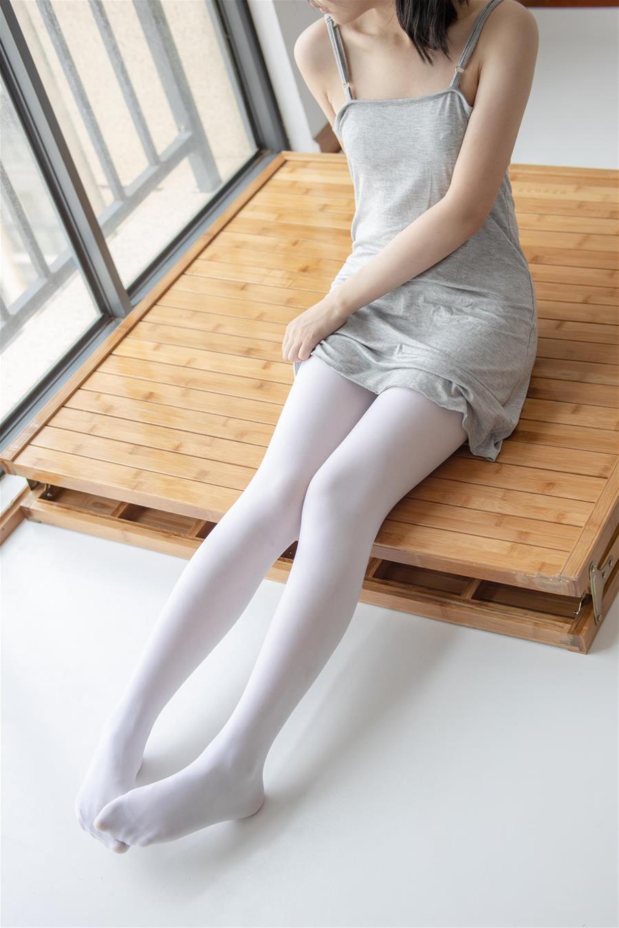 森萝财团 JKFUN-013 小香 80D白丝 [160P1V-2.40GB] 森萝财团-第1张