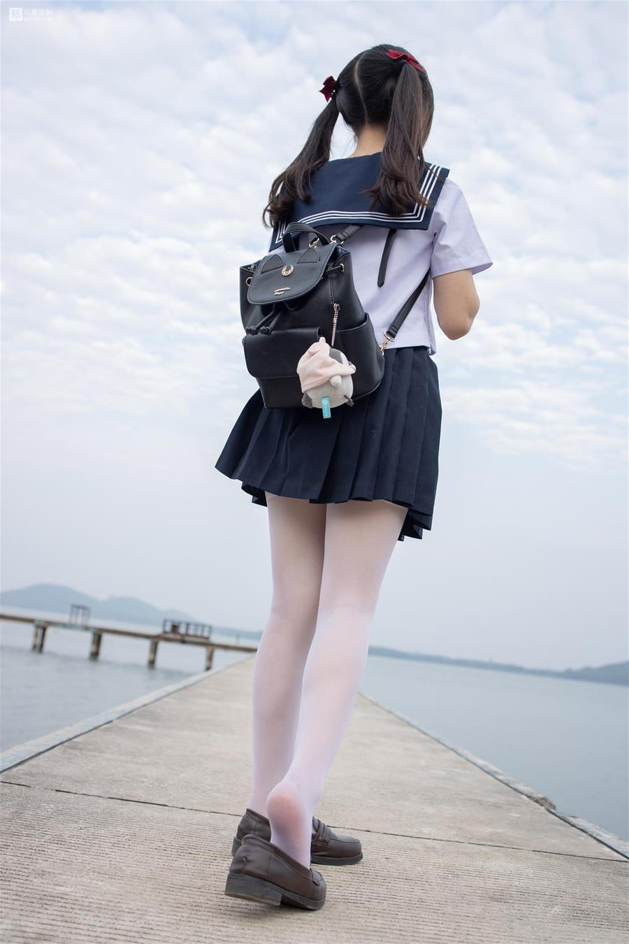 森萝财团 JKFUN-028 默陌 15D白丝 抑郁湖边与绝望天台 [58P1V-1.75GB] 森萝财团-第2张