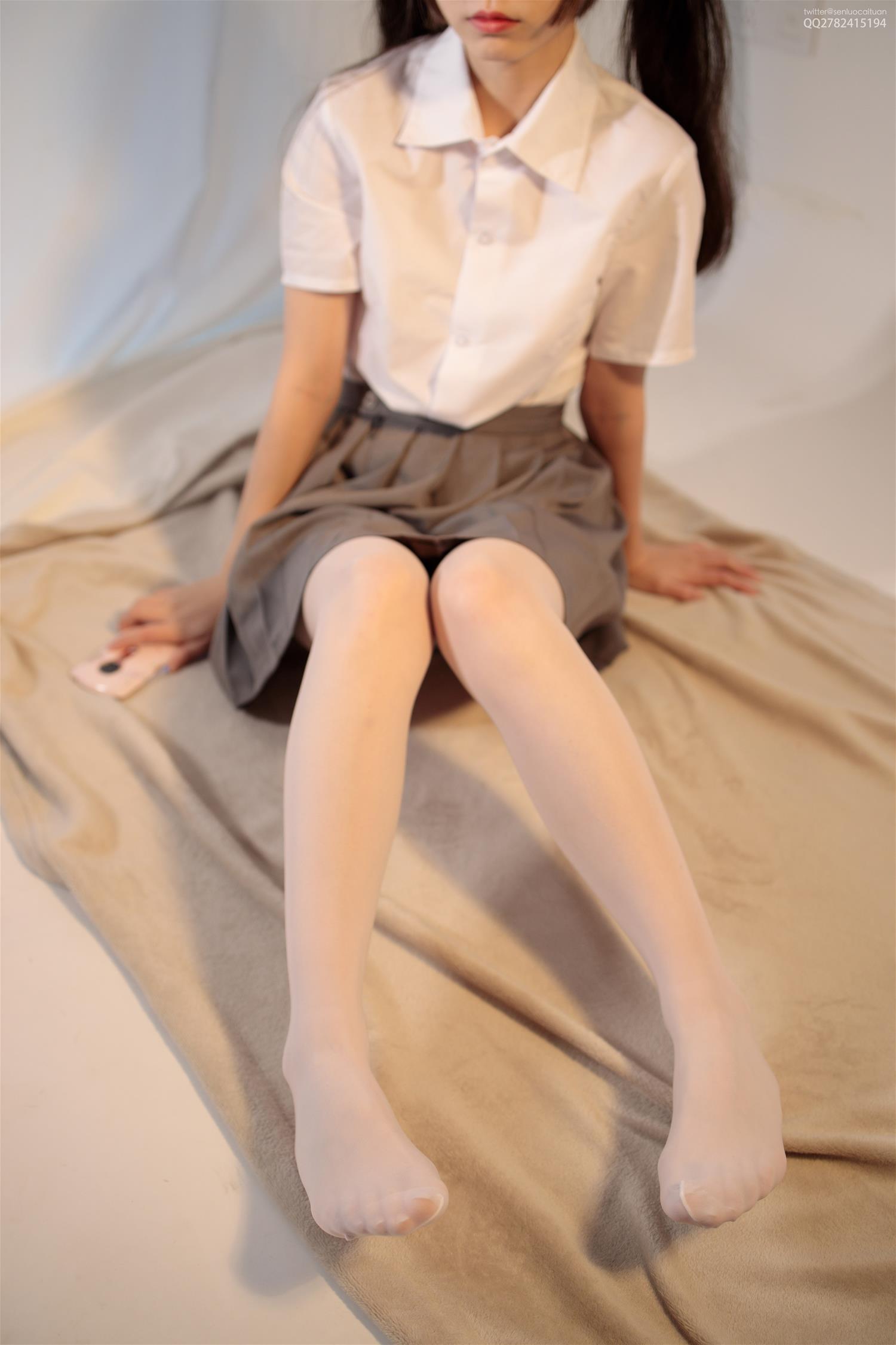 森萝财团 JKFUN-040 13D白丝网鞋合辑 芝士 [48P1V-1.5GB] 森萝财团-第2张